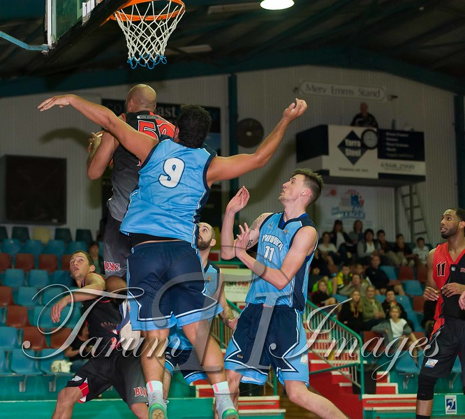 © Braves (70) v Tamworth Thunderbolts (75) 4 July 2015-7799