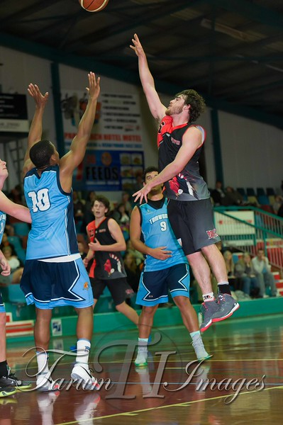 © Braves (70) v Tamworth Thunderbolts (75) 4 July 2015-7732
