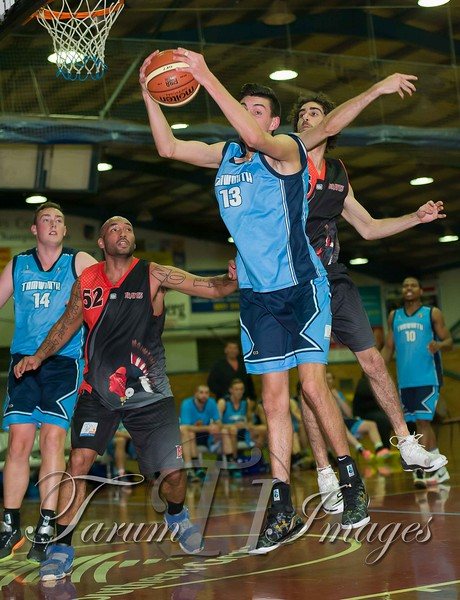 © Braves (70) v Tamworth Thunderbolts (75) 4 July 2015-7642