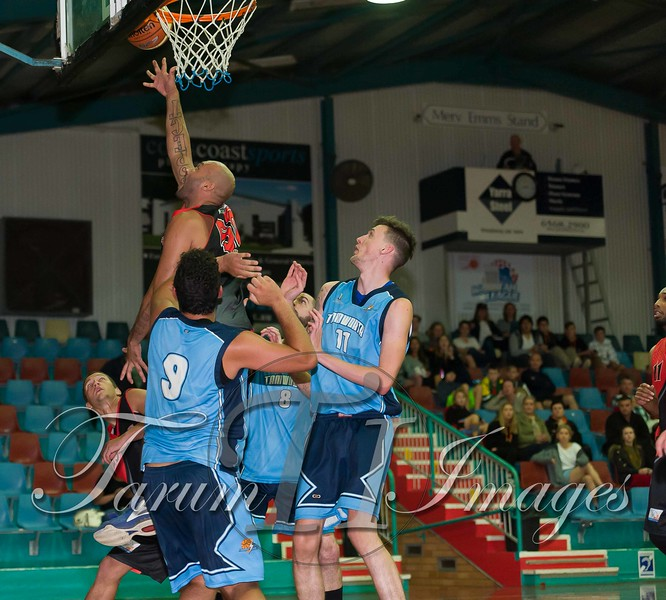 © Braves (70) v Tamworth Thunderbolts (75) 4 July 2015-7801