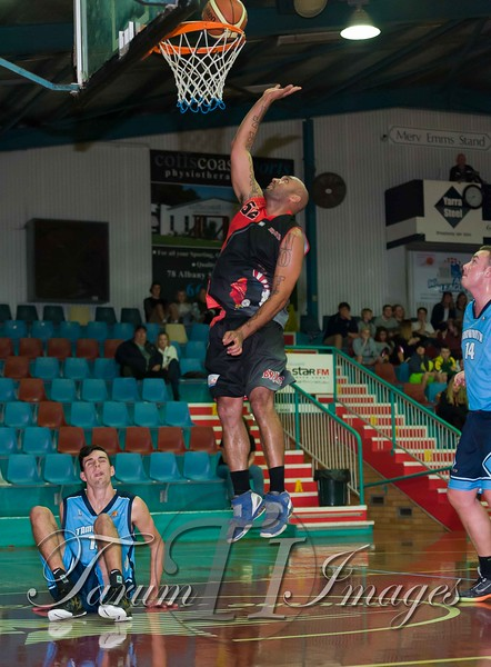 © Braves (70) v Tamworth Thunderbolts (75) 4 July 2015-7911