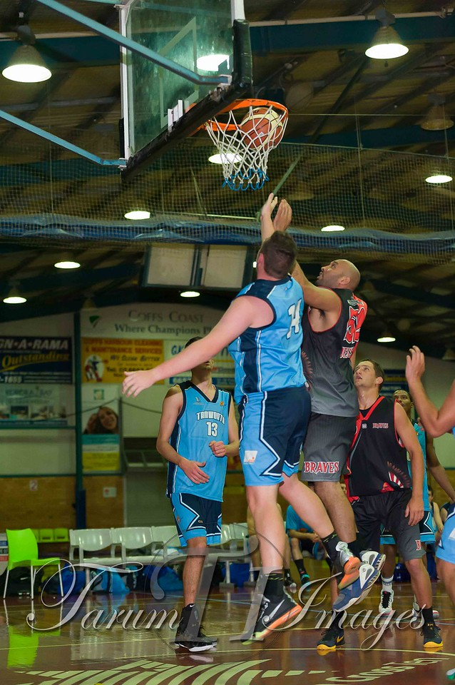 © Braves (70) v Tamworth Thunderbolts (75) 4 July 2015-7495