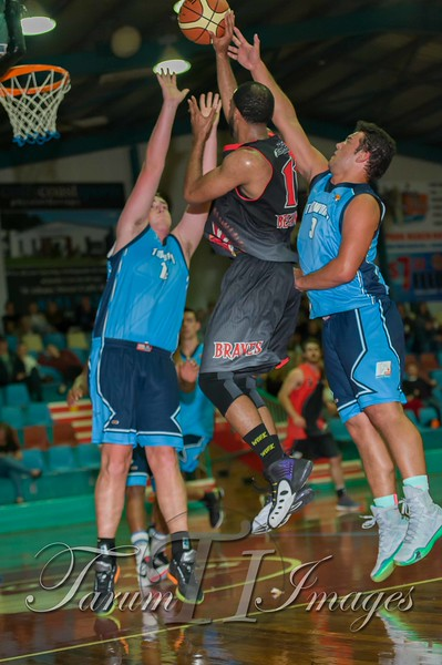 © Braves (70) v Tamworth Thunderbolts (75) 4 July 2015-7744