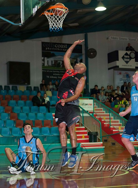 © Braves (70) v Tamworth Thunderbolts (75) 4 July 2015-7912