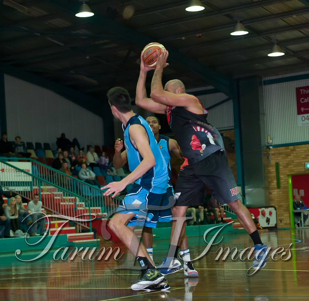 © Braves (70) v Tamworth Thunderbolts (75) 4 July 2015-7902