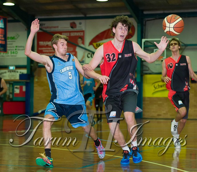 © Braves (70) v Tamworth Thunderbolts (75) 4 July 2015-7586
