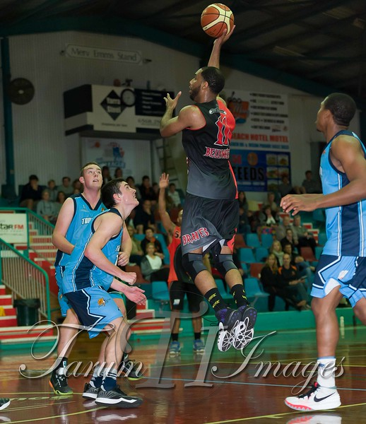 © Braves (70) v Tamworth Thunderbolts (75) 4 July 2015-7894
