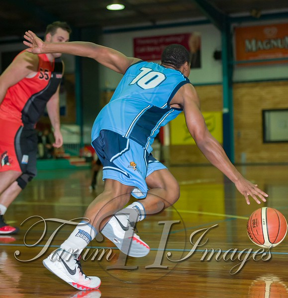 © Braves (70) v Tamworth Thunderbolts (75) 4 July 2015-7723