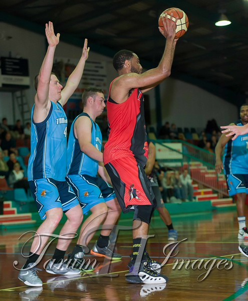 © Braves (70) v Tamworth Thunderbolts (75) 4 July 2015-7880