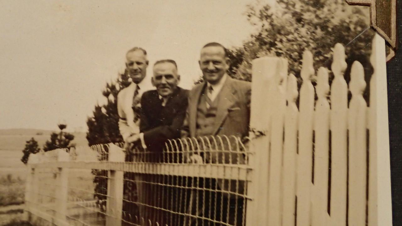 Alan Furner, Len Curtis, Rue Raymond  at Quialigo