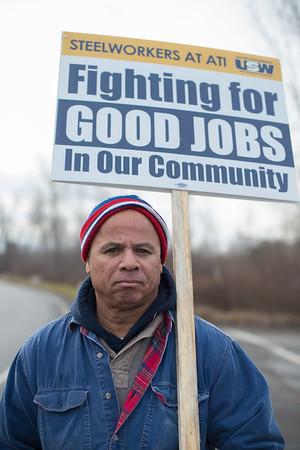 JOED VIERA/STAFF PHOTOGRAPHER Lockport, NY-Jim Harrison pickets during a lockout at ATI.