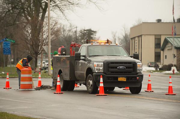JOED VIERA/STAFF PHOTOGRAPHER Lockport, NY-Crews work on West Avenue.