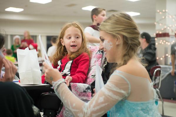 JOED VIERA/STAFF PHOTOGRAPHER Pendleton, NY-Madalyn Heine 6 meets Frozen's Elsa (Julia Voutoui) at Starpoint's Winterfest.