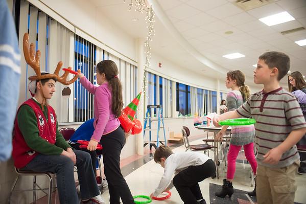 JOED VIERA/STAFF PHOTOGRAPHER Pendleton, NY-Kids play a game at Starpoint's Winterfest.