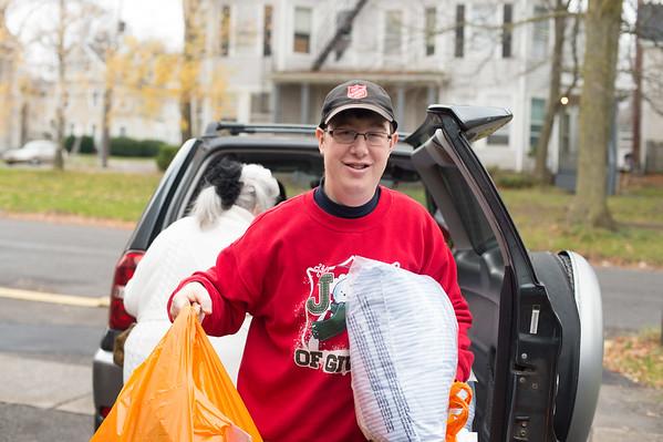 JOED VIERA/STAFF PHOTOGRAPHER Lockport, NY-Matt Bowen volunteers at the Salvation Army.