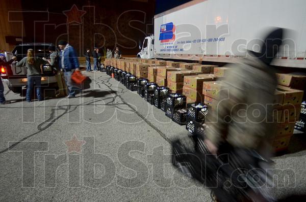 MET122415 baskets load