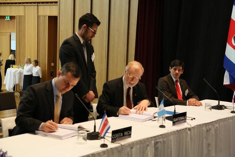 From left: Mr Álvaro Cedeño Molinari, Ambassador<br /> Permanent Representative of Costa Rica to the WTO, Geneva and Mr Eduardo Sperisen-Yurt, Ambassador, Permanent Representation of Guatemala to the WTO, Geneva.