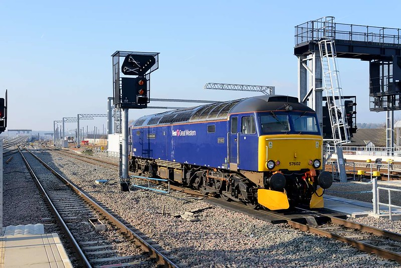 9 February 2015 :: 57602 heads out of Reading (with the new flyover on the left) to run round its stock in the platform