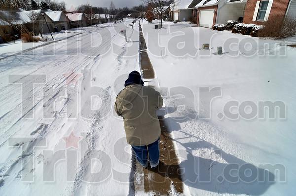 MET 021815 SNOW 02MOORE