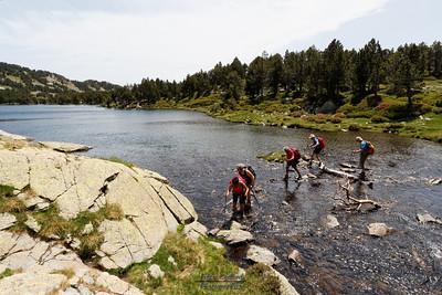 Camporeils, Estany Gros, traversée des eaux (passerelle détruite)