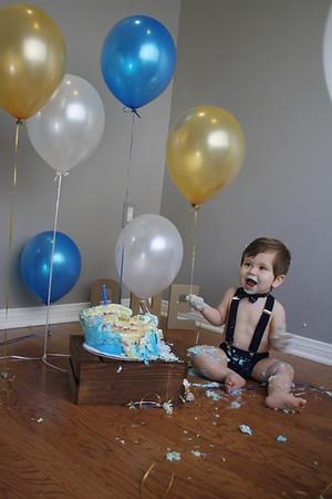 Grayson's 1st Smash Cake Session