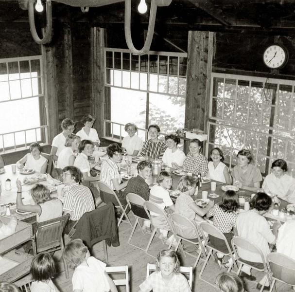 040-Ojakla dining room sepi