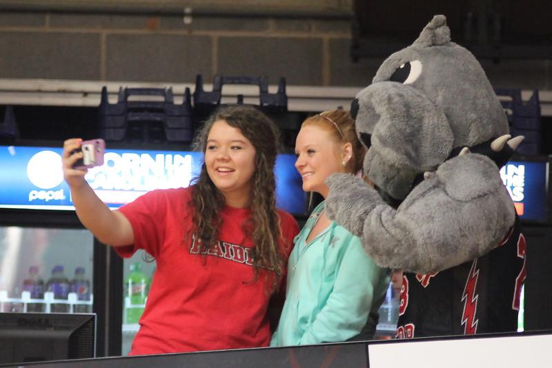 GWU students take a selfie with Mac.