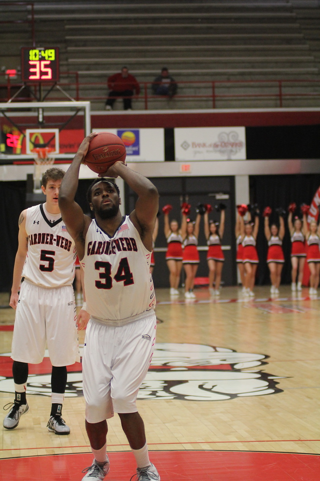 34, Jerome Hill, shoots a free-throw.