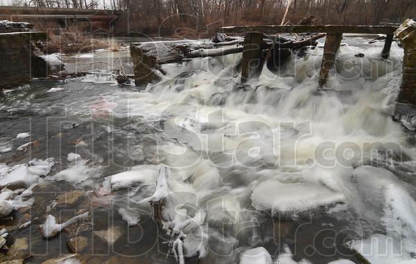 MET 011215 ICE FLOW