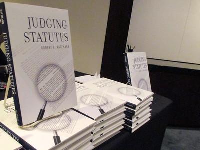 Judging Statutes with Chief Judge Robert Katzmann and Professor Gluck