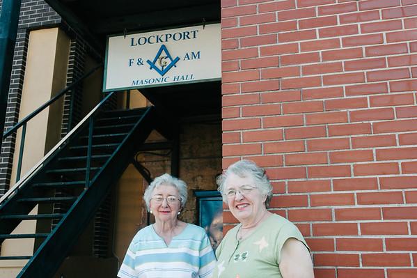 JOED VIERA/STAFF PHOTOGRAPHER-Lockport, NY-Arlene Sweet and Linda Betts.