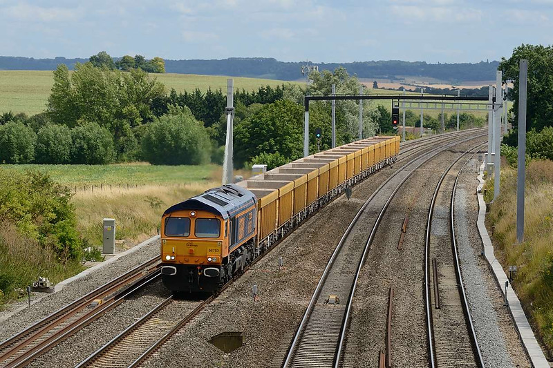 21 July 2015 :: Diverted due to the knock on effects of the closure of Box Tunnel, 66753 is pictured at South Moreton with 6M40 from Westbury to Stud Farm