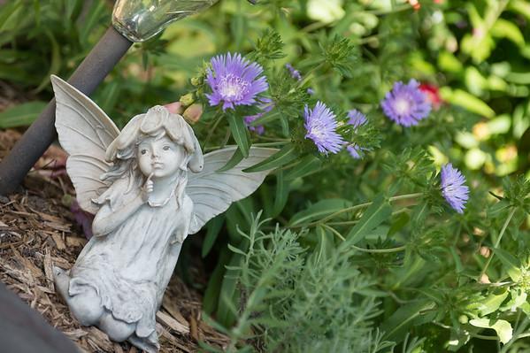 JOED VIERA/STAFF PHOTOGRAPHER-Lockport, NY-Maureen Wendt's garden at her Pine Street home.
