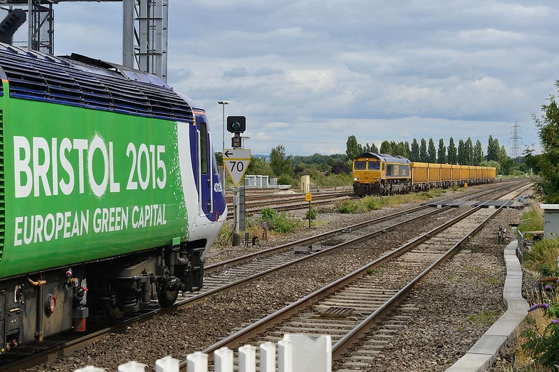 29 July 2015 :: As 43126 pulls away from Didcot, 66743 passes with 6M40 the diverted empty stone train from Westbury to Stud Farm