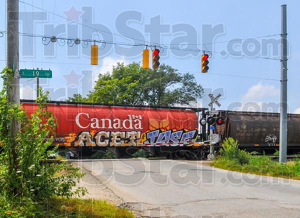 MET 072715 TRAIN STOPPED