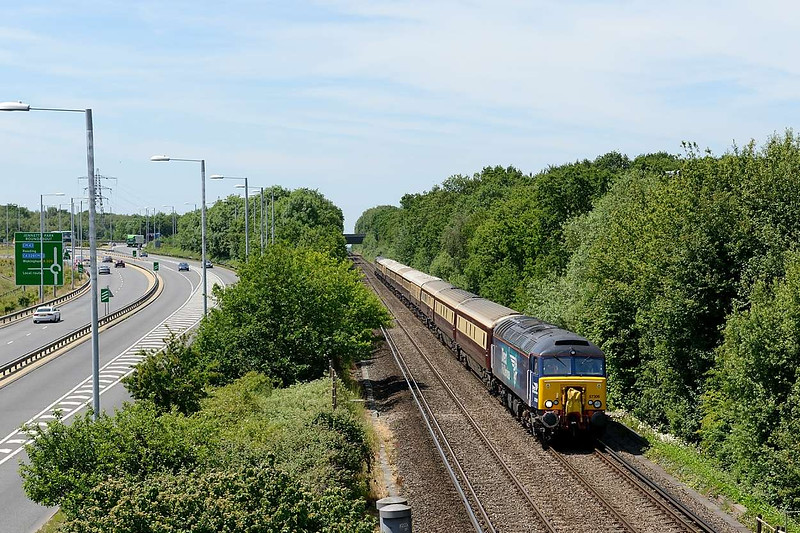18 June 2015 :: 57306 is seen at Bracknell in charge of 1Z60 the Northern Belle from Manchester Victoria to Ascot