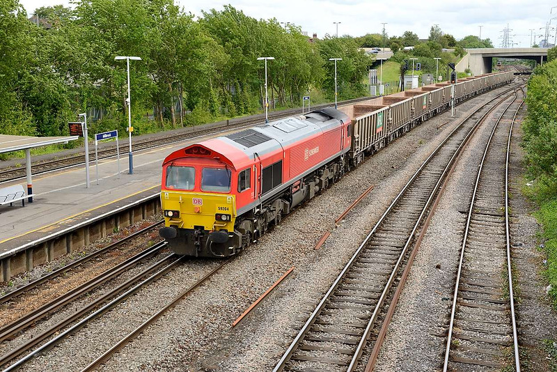 1 June 2015 :: Another view of 59204 and 7V07 at Millbrook