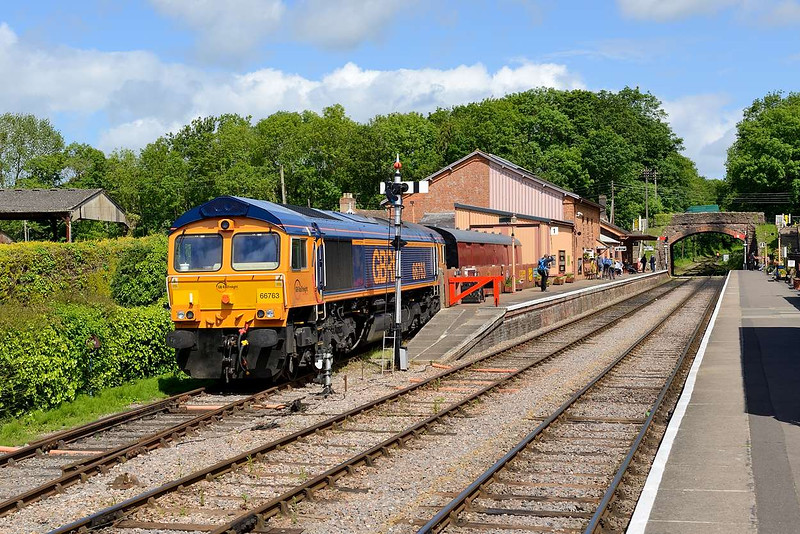 6 June 2015 :: 66763 was stabled at Bishops Lydeard over the week end having bought 59003 to the West Somerset Railway for the Diesel Gala