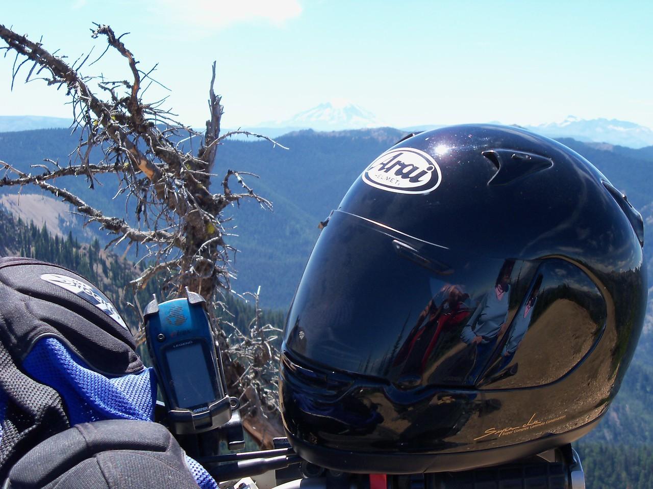 Helmet reflection in Syllvia's Arai.