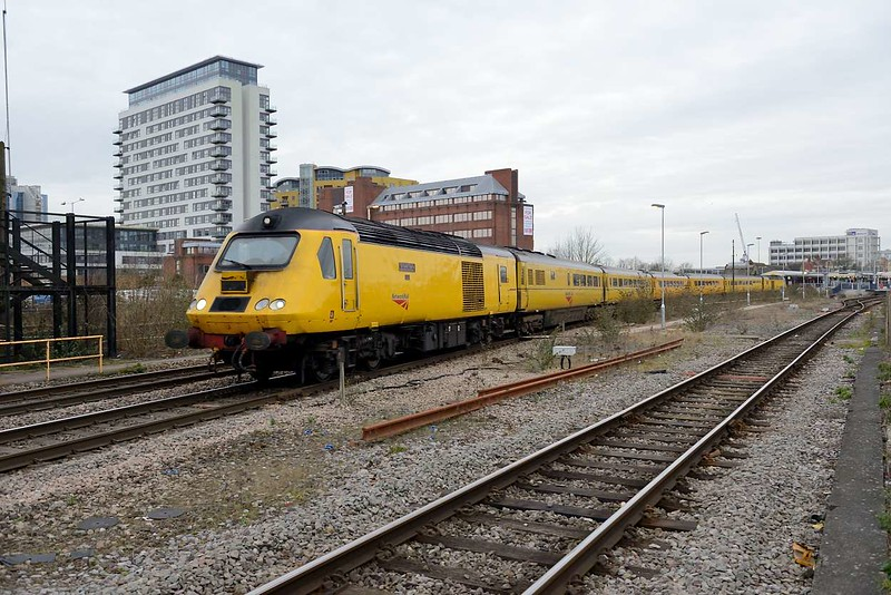 12 March 2015 :: The NMT is seen departing from Basingstoke on 1Q23 from Salisbury to Old Oak Common with 43014 leading