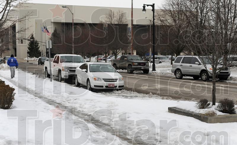 MET 030415 HULMAN SNOW