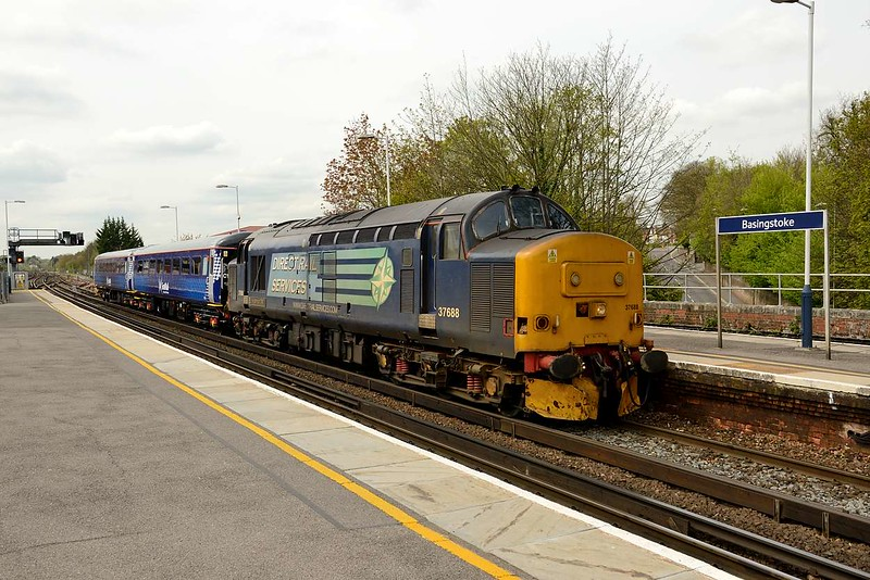 1 May 2015 :: 37688 is seen at Basingstoke working train 5Z68 from Eastleigh to Willesden to take 2 Scotrail coaches on their journey North