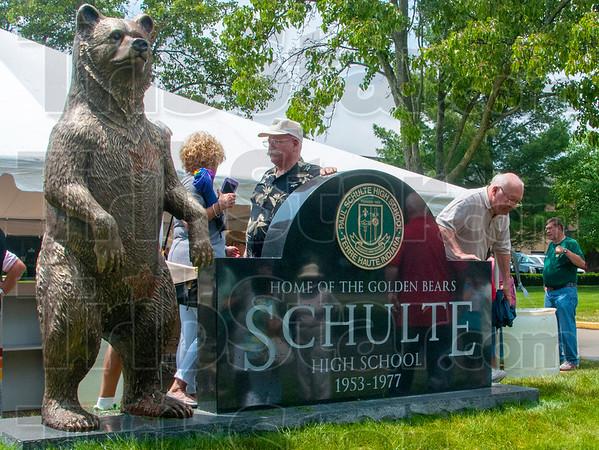 MET 053015 SCHULTE BEAR