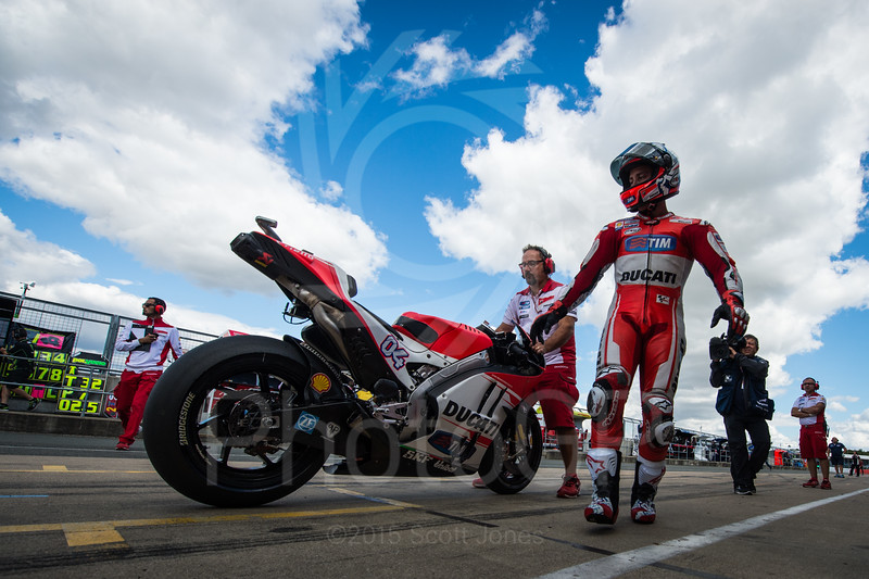 2015-MotoGP-12-Silverstone-Friday-1482