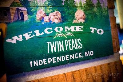 Black Friday at Twin Peaks Independence 11.27.15