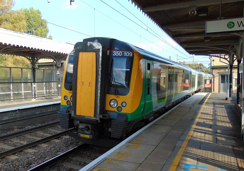 London Midland Class 350 Desiro no. 350109 at Berkhamsted on a Tring service.