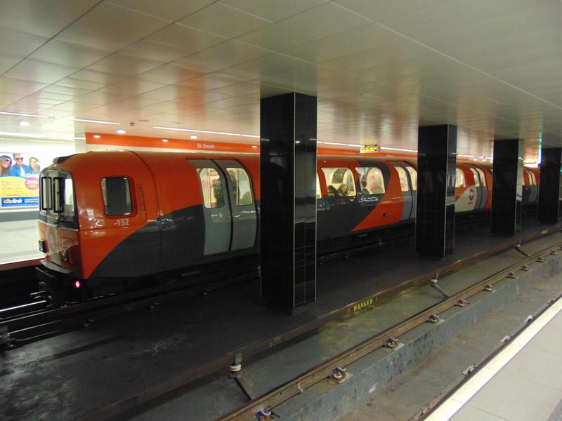 Glasgow Subway train no. 132 at St Enoch.
