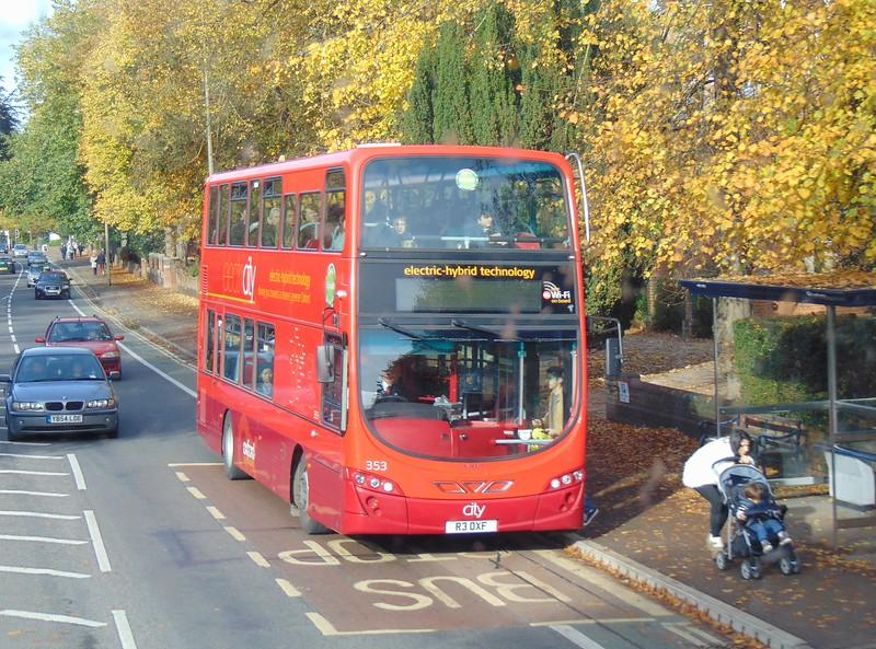 Oxford Bus Company Volvo B7 Wright Eclipse Gemini R3OXF 353 on Banbury Road.