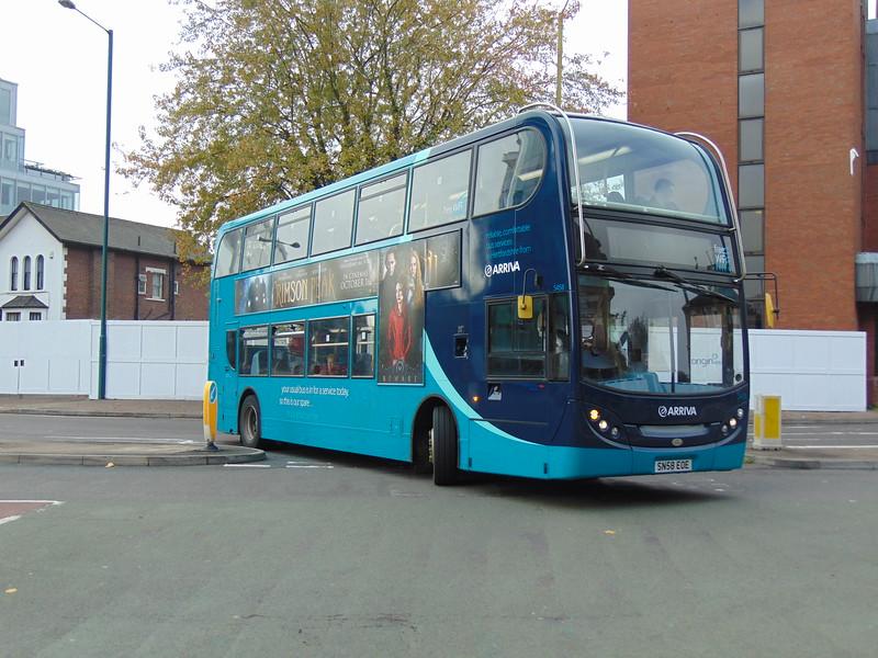 Arriva Max Enviro 400 SN58EOE 5458 at Watford Junction on the 320.