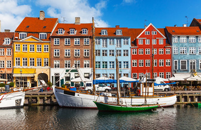 Color buildings of Nyhavn in Copenhagen © Oleksiy Mark